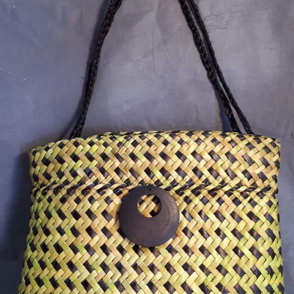 Yellow and Black Kete